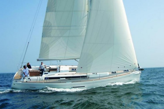 Dufour 450 charter
