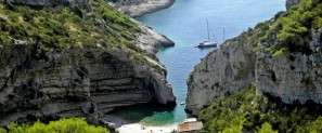 Attractive bays-1-Stiniva