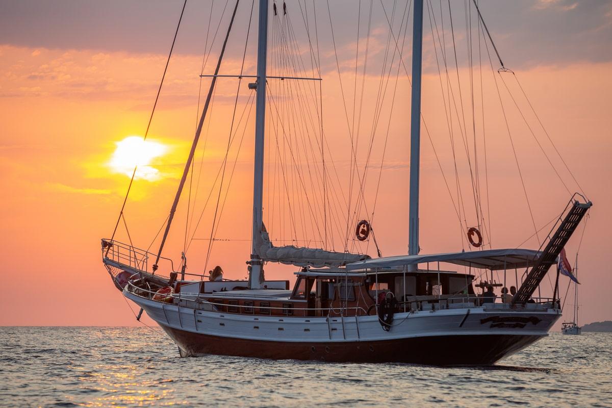 catamaran 52 pies